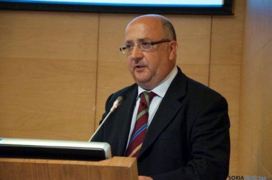 Luis Bobes, encargado de la ponencia.