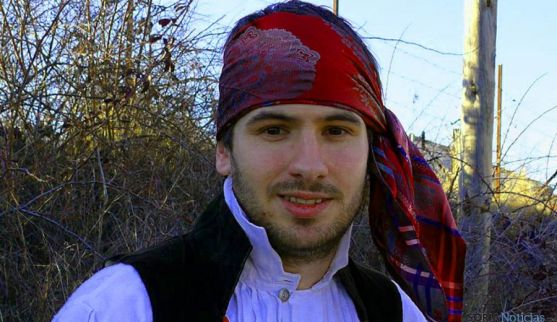 El investigador del traje popular soriano, Enrique Borobio.