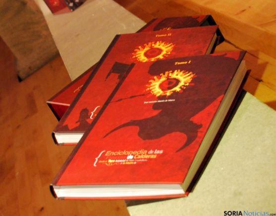 Los dos tomos que componen la enciclopedia sanjuanera.