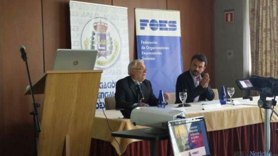 Mesa de la conferencia