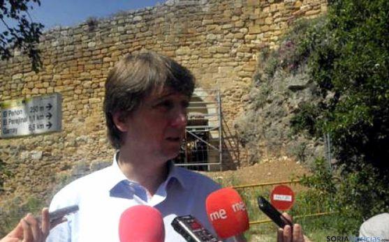 El alcalde explica este miércoles las obras en las orillas del Duero.