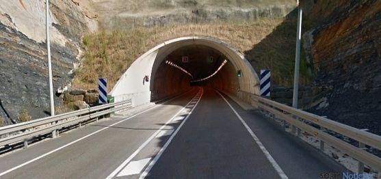 Una de las entradas al túnel de Piqueras.