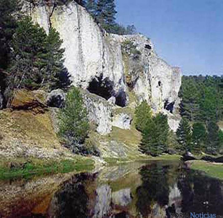 Uno de los parajes del Río Lobos.