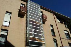 Edificio remodelado para instalar un ascensor dentro. / SN