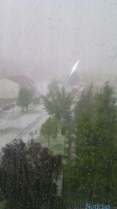 Imágenes de la tormenta acaecida esta tarde en Almazán. / SN