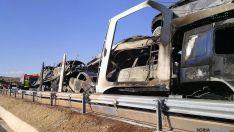Estado del camión y la carga tras el incendio. / SN