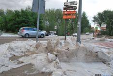 El granizo se amontonaba en las calles adnamantinas. / SN