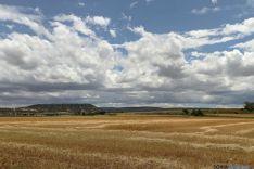 Nubes, monte y campo en recuerda. / F. V.