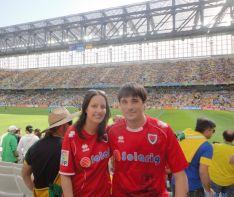 Rebeca y su acompañante en Curitiba