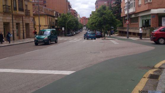 Mariano Vicén este viernes, donde se aprecia el carril bici todavía sin señalizar. / SN