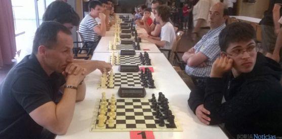 Rupérez, (dcha.) en el campeonato pucelano.