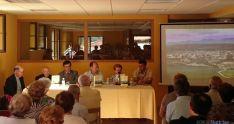 Presentación del libro con los autores. / SN