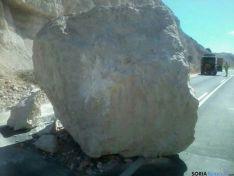 Roca caída a la N-122