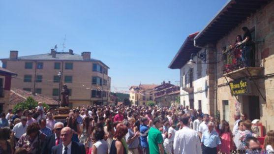 Procesión calle Navaleno