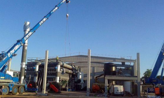 Construcción de la central térmica de biomasa de Rebi. / Rebi
