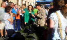 La subdelegada, en la muestra del Ejército en Duruelo. / Subdeleg.