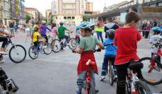 Niños este lunes en Mariano Granados. / SN