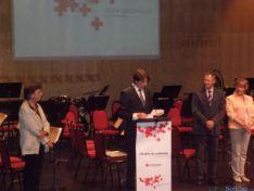 Foto 4 - Diputación y Ayuntamiento de Soria recogen las Medallas de Oro de Cruz Roja Española