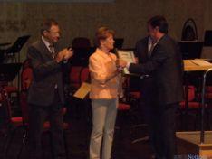 Foto 3 - Diputación y Ayuntamiento de Soria recogen las Medallas de Oro de Cruz Roja Española