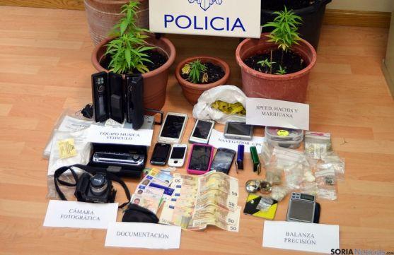 Objetos incautados por la Policía Nacional. / Subdeleg.