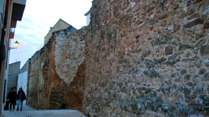 La muralla en El Vergel este invierno pasado. / SN
