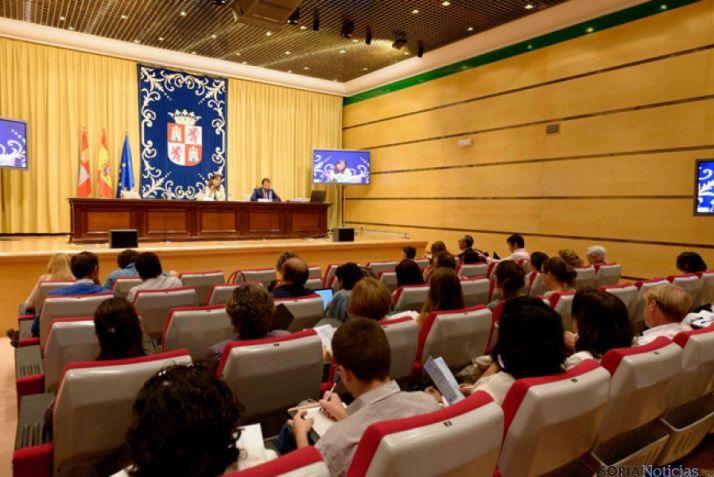 Conferencia con las ONG de la Comunidad