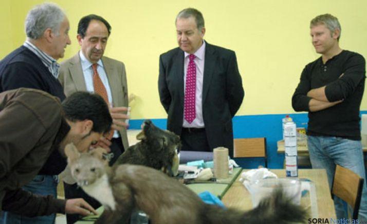 El delegado territorial visita el centro de formación agraria