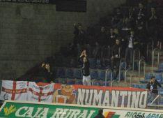 Algunos de los lances del partido, donde el juego por alto en el área del Valladolid fue una constante.