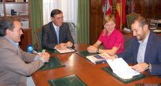 Encuentro de trabajo entre la Diputación y ASOHTUR. / Dip.