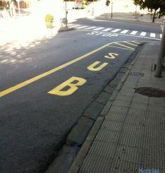 Parada de autobús en el barrio de San Pedro