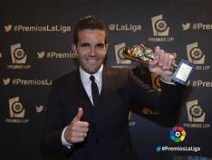 Julio Álvarez con su premio