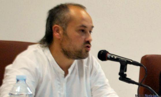 Iván Aparicio, en la apertura de la VIII de la Semana de la Memoria Histórica. / SN