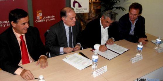 Firma del convenio del Plan Norma