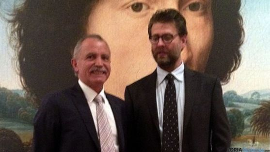 José Antonio de Miguel, con el director del museo Matteo Lafranconni.
