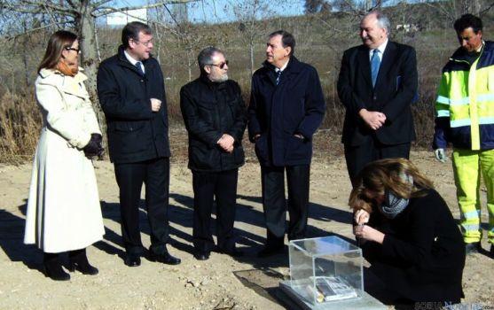 Puesta de la primera piedra para red de calor en Valladolid en 2013.