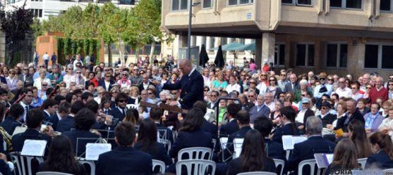La Banda, en la plaza de Mariano Granados