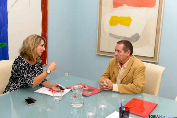 Alicia García con el Dtor de Titirimundi