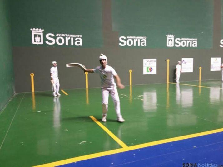La pareja Urriza-Endika se llevan el I Torneo Remonte Magnesitas de San Saturio