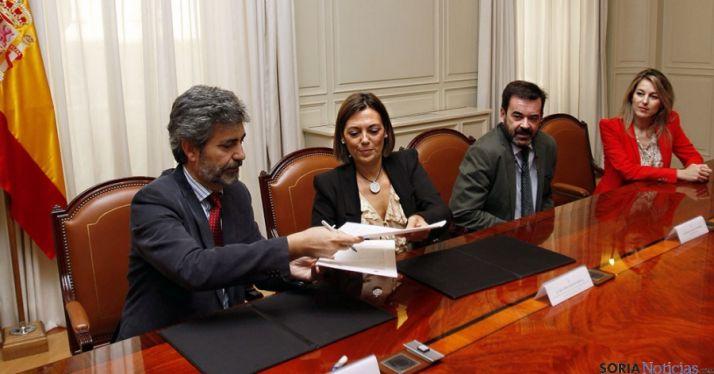 Lermes (izda.) y Marcos, en la firma del acuerdo. / Jta.