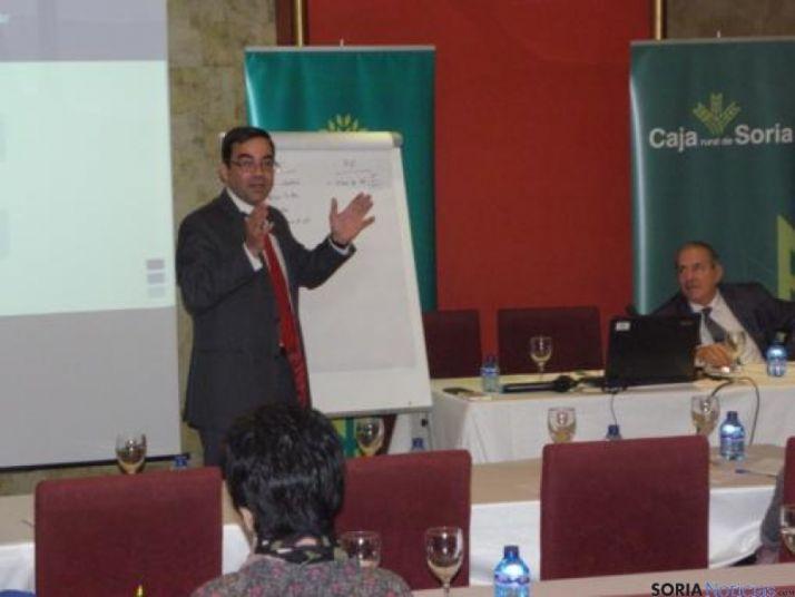 Foto 2 - Un centenar de empresarios asisten a las sesiones del Foro de Soria Activa de Caja Rural