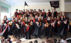 El colegio celebra diversas actividades.