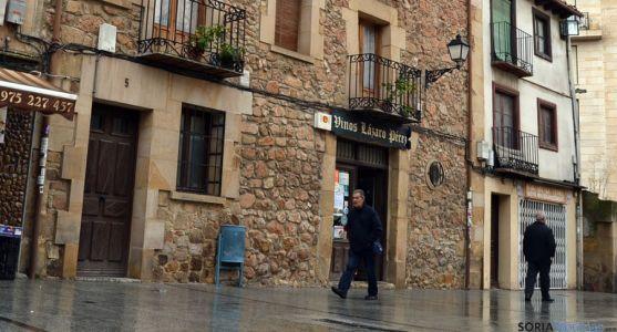 Los propietarios de Vinos Lázaro insisten en conservar el inmueble. / SN