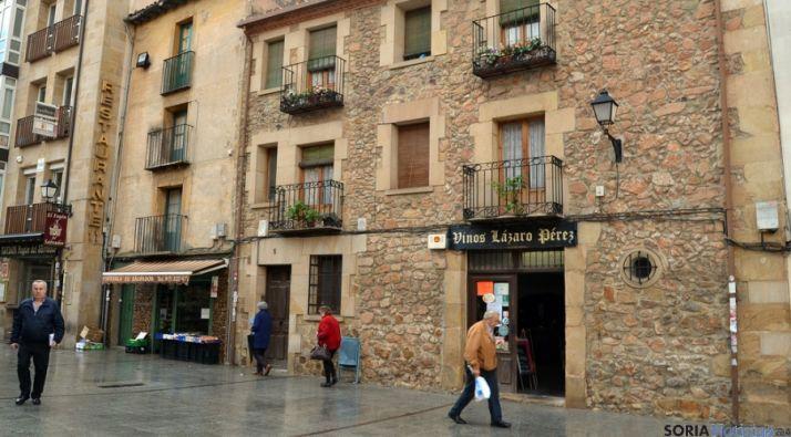 Fachada donde se ubica el establecimiento Vinos Lázaro. / SN