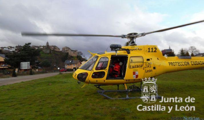 El helicóptero de salvamento en Sanabria. / Jta.