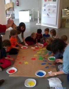 Niños en el taller de CortabitArte.