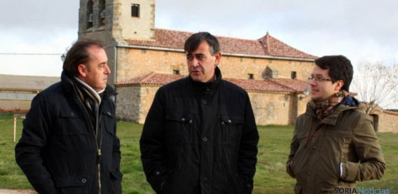 Benito Serrano (izda.), Antonio Pardo y Tomás Cabezón. / Dip.