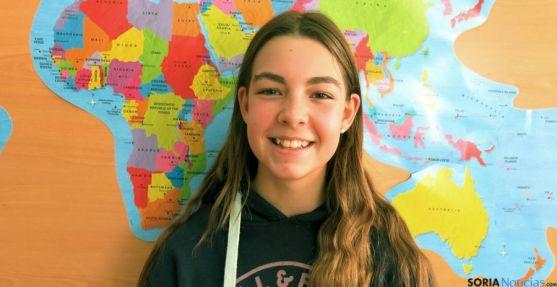 La joven Irene Corcuera es 'Esperanza' en el vídeo navideño.