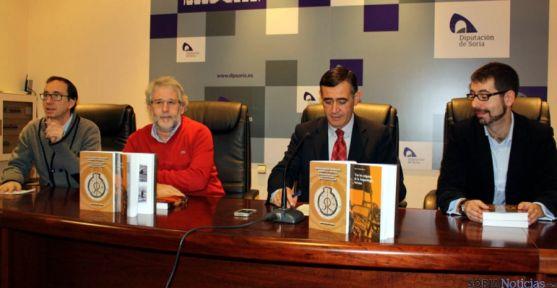 Martínez (izda.), Sánchez Barrera, Pardo y Bermejo en la presentación de los títulos. / Dip.