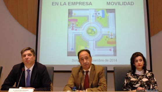 Carlos Díez, (izda.), Manuel López y Noemí Molinuevo. / Jta.