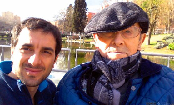 Silvestre, con su nieto Sergio, con quien tiene una especial unión. / SM